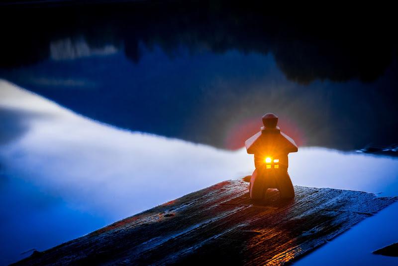 A Light In The Dark di JohnnyGiuliano
