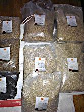 Photo: W wyniku opisanych eksperymentów i lekkich pomyłek nasz zasyp składał się z 2kg pale ale, 1kg wędzonego, 0,6kg carareda, 0,5kg melanoidynowego oraz 0,4kg caramunicha, a także 0,1kg palonego jęczmienia (razem 4,6kg)