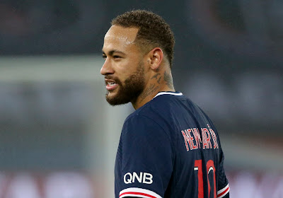 """Neymar juicht voor de neus van Bayern-speler; """"het lot bracht mij daar"""""""