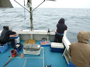 Photo: ゆっくりの潮。船の周りでウキがバリバリ入る!
