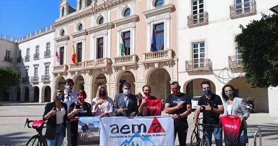 De Almería a Sevilla en bici contra la esclerosis múltiple