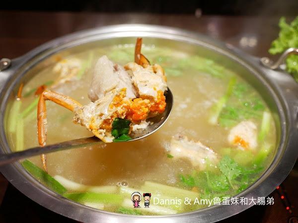 竹美雞煲蟹。雙人海陸鍋好超值。先吃肉再吃料後煮粥口口滿足︱湳雅街大潤發附近美食(影片)