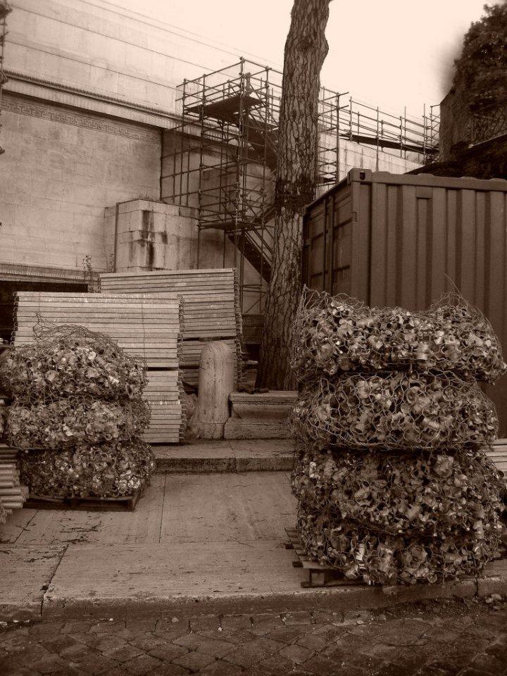 Cantiere al monumento di Aliscioni Sara