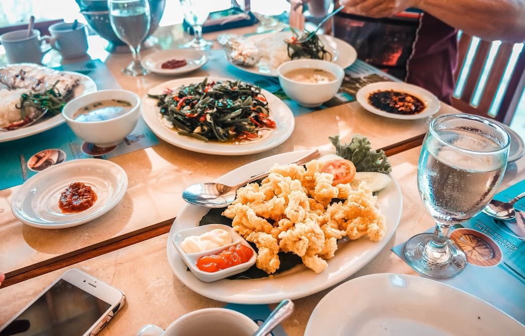 Lunch at Leebong Island
