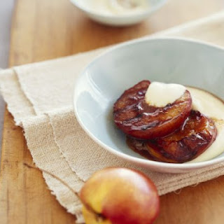 Grilled Nectarines with Smooth Vanilla Sauce