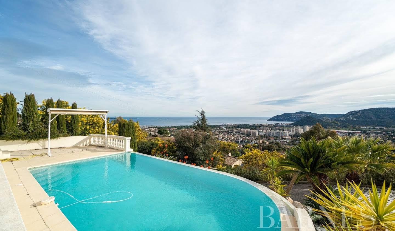 Villa avec piscine et terrasse Mandelieu-la-Napoule