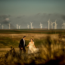 Wedding photographer Adrian Fluture (AdrianFluture). Photo of 23.11.2017