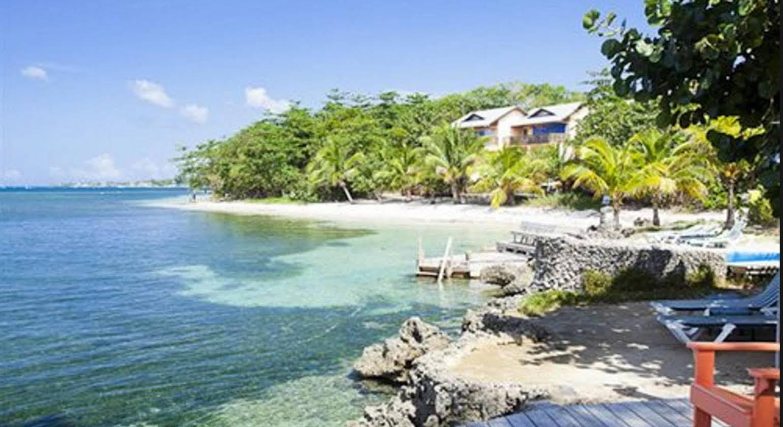 Las Rocas Resort and Dive Center