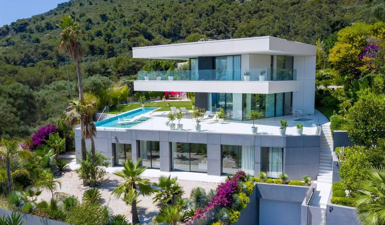 Villa avec piscine en bord de mer Beausoleil