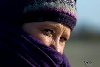 Photo: mit Schal und Wollmütze
