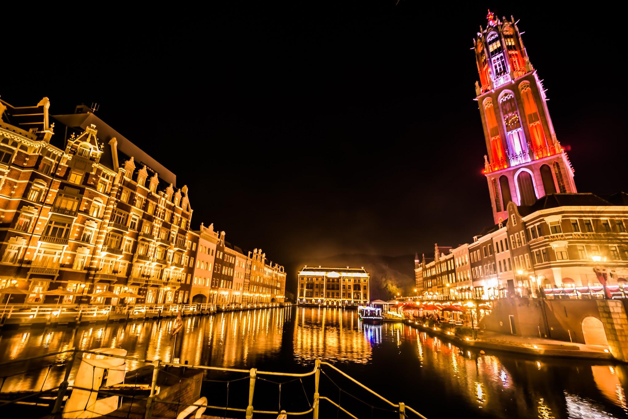 Huis Ten Bosch illumination Kingdom of light Hotel Europe and Domtoren1