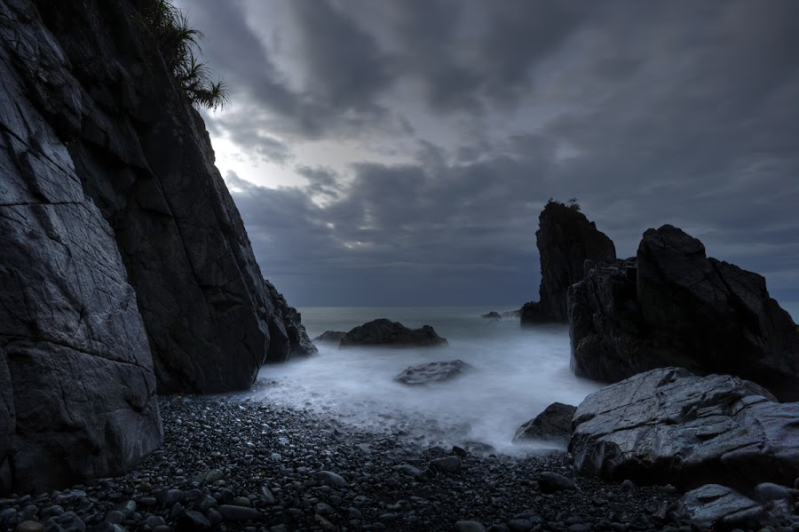Life of non-living things by Glenn Mendoza - Landscapes Waterscapes ( aurora, glenn mendoza, baler, beach, philippines )