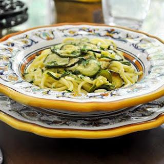 Spaghetti con le zucchine (Spaghetti with Zucchini)