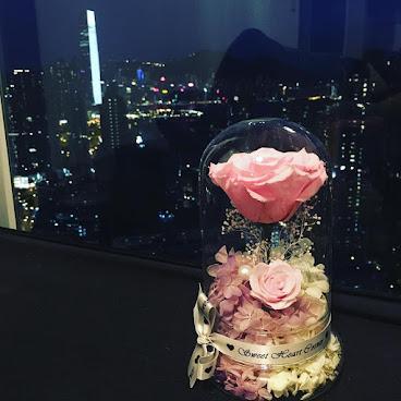 ❤️My One系列❤️送給您的她一份獨一無二的禮物🌹訂製需時約3-7個工作天❤️由鮮花而製的保鮮花,不需要陽光照射,不需要澆水,就能保存達三年。 歡迎Whatapps 查詢有關詳情Tel:67417898。❤️ #不凋花 #小王子 #結婚禮物 #sweetheartcorner #不死花#giftforher #婚禮 #hkiger #hkflower #保鮮花 #hkflowershop #生日 #紀念日 #母親節 #送禮 #情人節 #preservedflower #花 #音樂盒  #謝師禮物  #彩虹玫瑰 #相架 #禮物 #handmade #玫瑰花 #hkigshop #hkgirl#永生花 #保鮮花工作坊 #水晶球