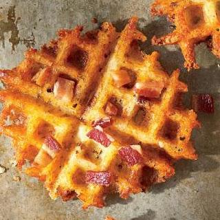 Waffled Bacon & Cheddar Grits