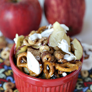 Honey Nut Cheerios™ Apple Pie Snack Mix.