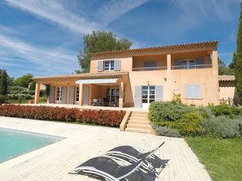 villa à Villecroze (83)