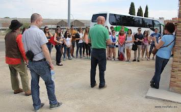 Photo: 30.05.2015.- Visita alumnado Lycée René Cassin de Bayona. Explicaciones junto al Memorial Galán.