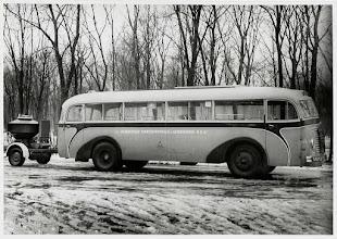 Photo: 1940 tot en met 1944 - Bus van BBA met nummer 100 met turfgasgenerator tijdens de oorlogsjaren.