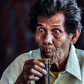 expression by Taufik T KamaMoto - People Portraits of Men ( senior citizen )