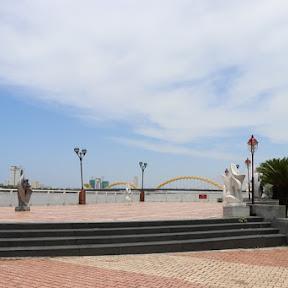 ベトナム中部のダナンでドラゴンブリッジ(ロン橋)の夜間ライトアップを見よう!