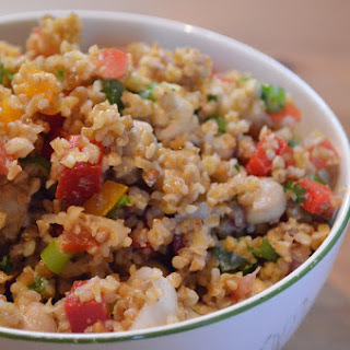Bulgur Wheat Salad with Chickpeas, Bell Peppers & Tomatoes.