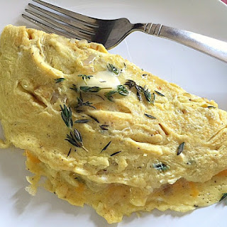 Cheddar Thyme Omelet