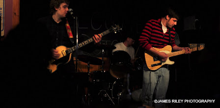 Photo: Tight power pop combo with Awesome guitars.