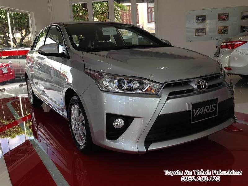 Giá Xe Ôtô Toyota Yaris 2016 1.3 G Nhập Khẩu Màu Bạc