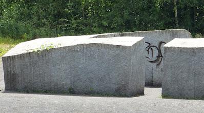 Photo: Ulrich Rückriem; Castell (1992)