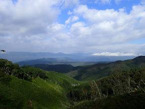 右の大日ヶ岳は雲の中