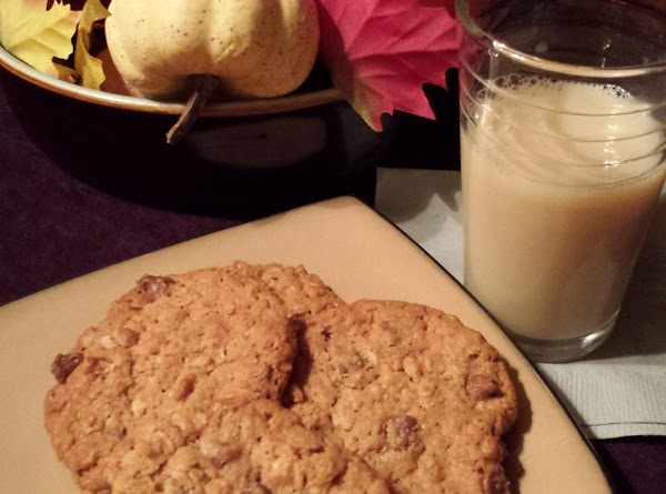 Gluten Free Surprise Oatmeal Chip Cookies Recipe