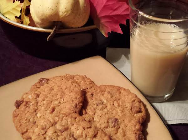 Gluten Free Surprise Oatmeal Chip Cookies