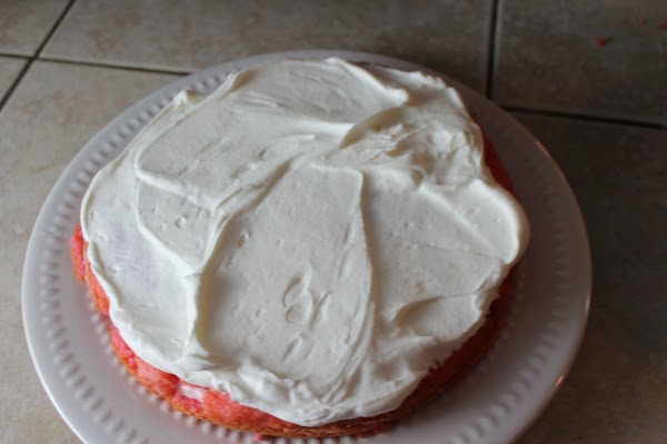Then add your whipped cream icing between the whole cake layer.