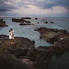 Wedding photographer Arya Sentanoe (aryasentanoe). Photo of 08.04.2016
