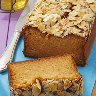 Honey and Almond Loaf Cake