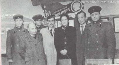 Photo: Виктор Некрасов на встрече с военными медиками, конец 1940-х