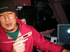 Photo: さあー! 出発進行! ・・・タケウチさん! キャビンの中は、禁煙ですが・・。