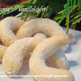 German Vanilla Crescents Recipes