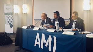 El secretario general de COAG Almería, Andrés Góngora, durante su intervención en la conferencia.