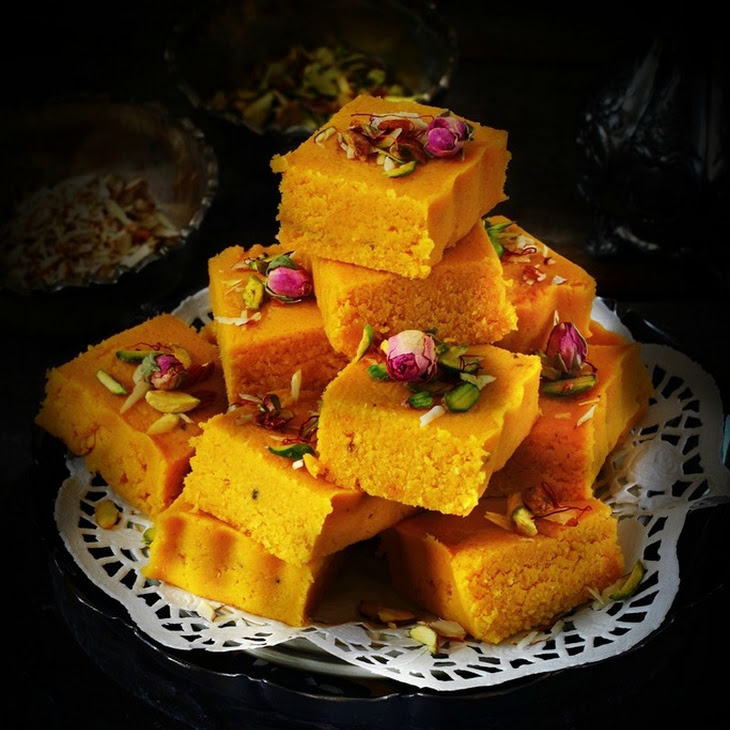 Kesar and Mawa Kopra Pak / Topra Pak - Indian Style Coconut Fudge Recipe