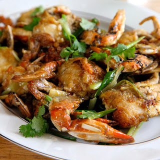 Chinese-Style Blue Crabs with Scallion and Ginger Sauce Recipe