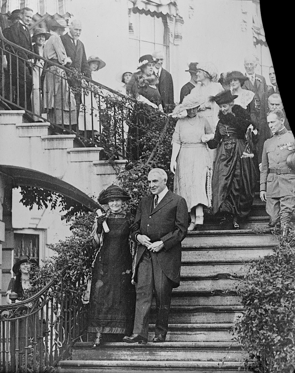 Marie Curie with the US President W.G. Harding, Washington D.C., May 20th1921 (coll. ACJC) - Source : Musée Curie (coll. ACJC) — Google Arts & Culture