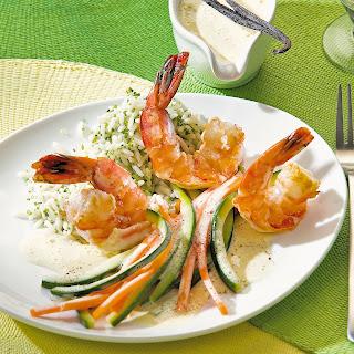 Garnelen mit Möhren und Zucchini in Vanillesauce