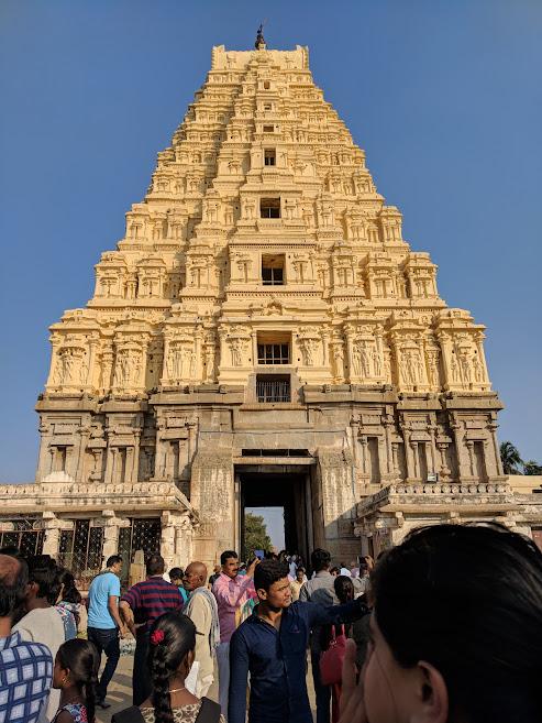 Virupaksha-temple-hampi-front