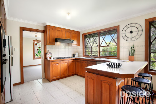 Photo of property at 51 Robinson Road, Narre Warren North 3804