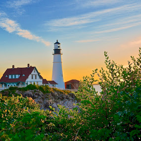 Sunrise at Portland Head Lighthouse by Joe Fazio - Buildings & Architecture Other Exteriors ( maine, sunrise, lighthouse, ocean, casco bay, sea,  )