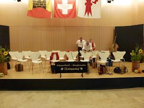 Photo: Vorbereitung auf der Bühne