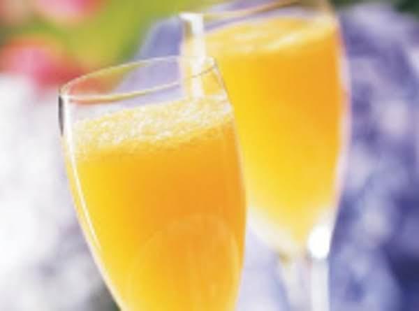 Peach Mimosas Recipe