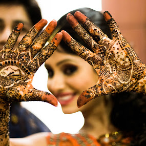 Mehendi by Shrey Chohan - Wedding Bride ( love, wedding photography, life, wedding, candid, bride and groom, marriage, bride )